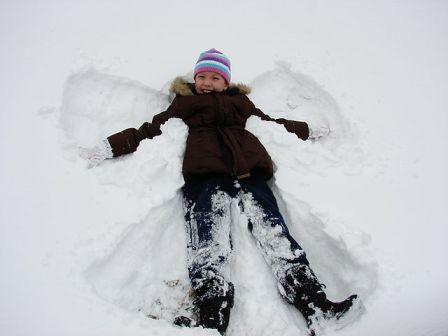 640px-SnowAngel-5644